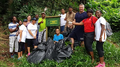Air Seychelles and SNPA team following the clearing of the trail_400x225.jpg