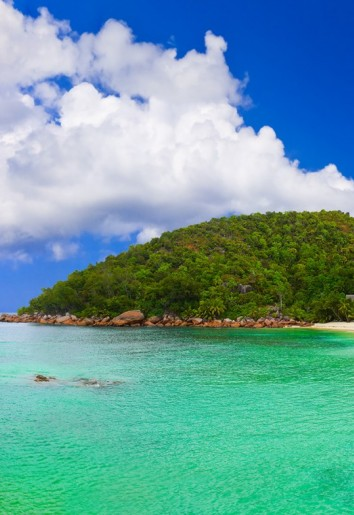 Flights to Praslin with Air Seychelles