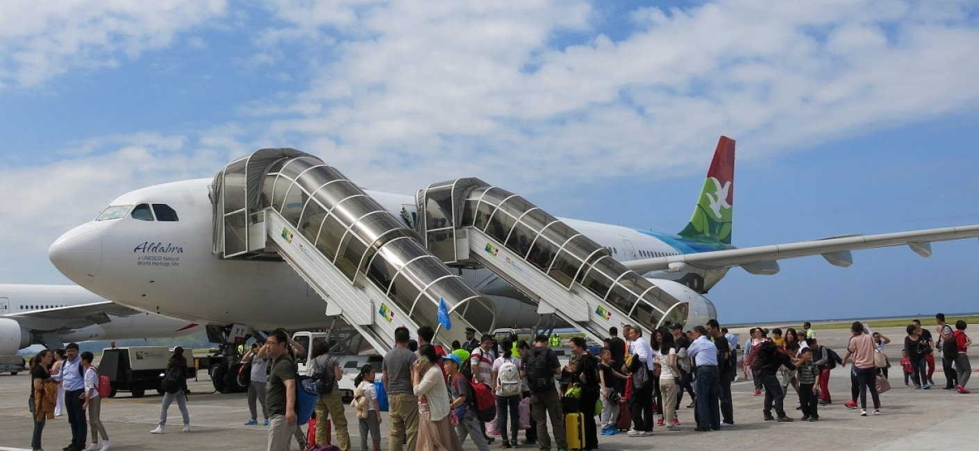 The first of two additional flights from Beijing to Seychelles via Abu Dhabi arrived on Friday, 20 February. The flight was operated at full capacity with 254 passengers, demonstrating the strong travel demand from China during the Chinese New Year holidays