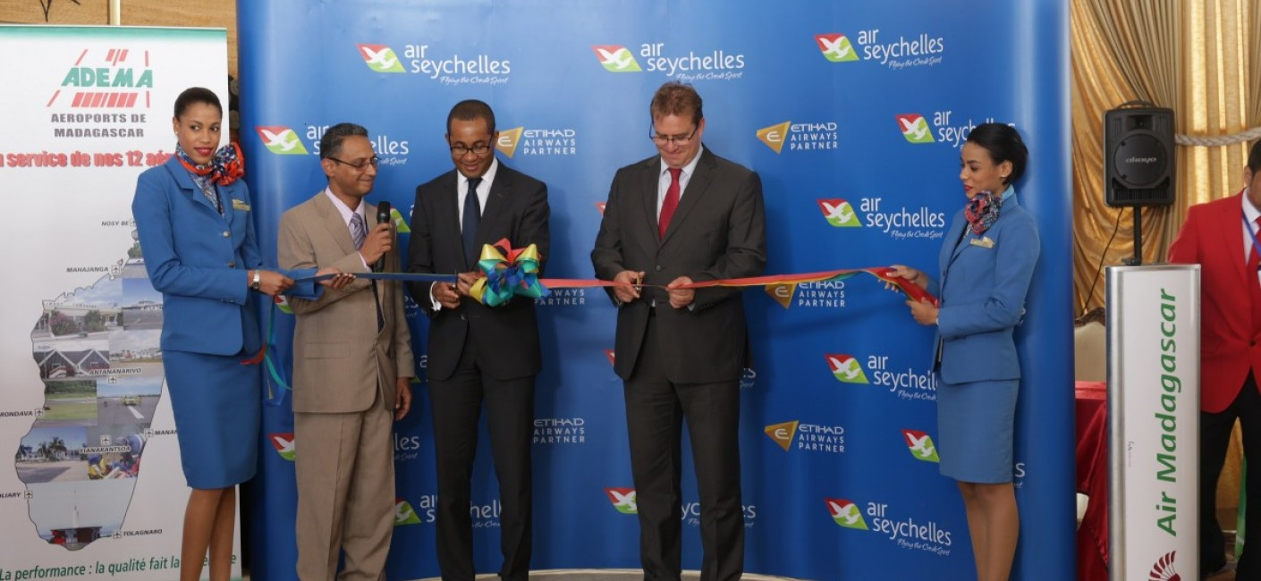 Madagascar's Minister of Transport, Ulrich Andriatiana (centre left), and Justin Gosling, Air Seychelles' General Manager Commercial, celebrate the launch of flights to Antananarivo